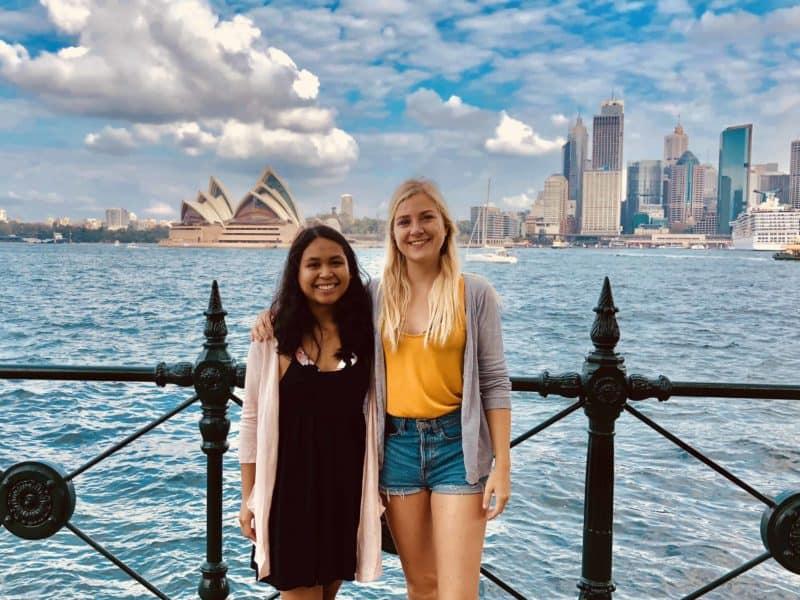 best-friends-at-sydney-harbour