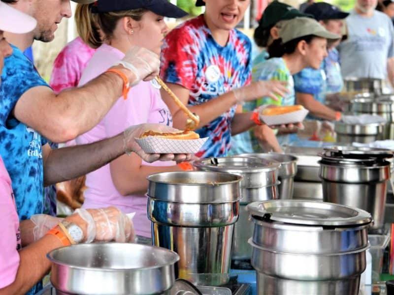 volunteer-feed-the-homeless