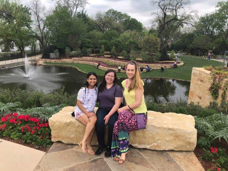 friends-at-botanical-garden