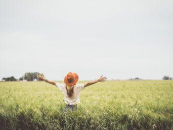 solo-girl-enjoying-life